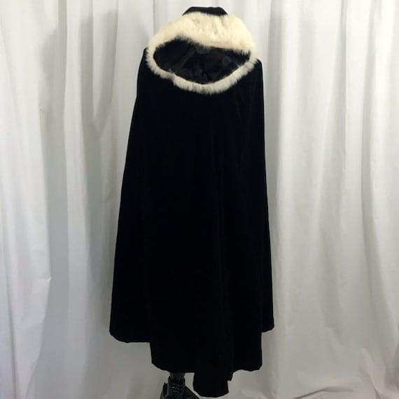 Vintage Mid Calf Length 1940s Black Velvet White F