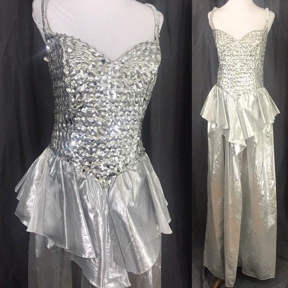 Vintage 1980s Silver Metallic Peplum Prom Formal R