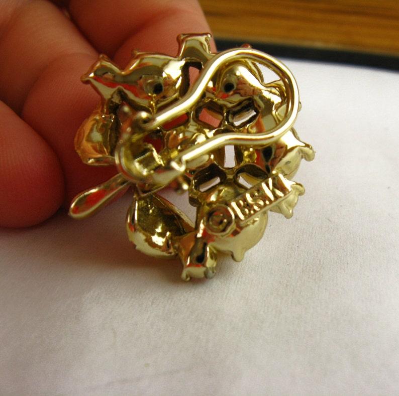Gold Clip On Earrings Glamour 50s Earrings Pearl and Gold Earrings Pearl Cluster Earrings Gold and Pearl Earrings Pearl Flower Earrings