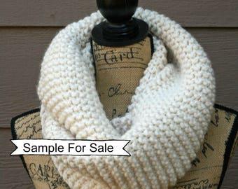Cream Infinity Scarf, Knit Infinity Scarf, Chunky Knit Scarf, Knit Cowl , Chunky Scarf, Chunky Infinity Scarf, Chunky Knit Cowl