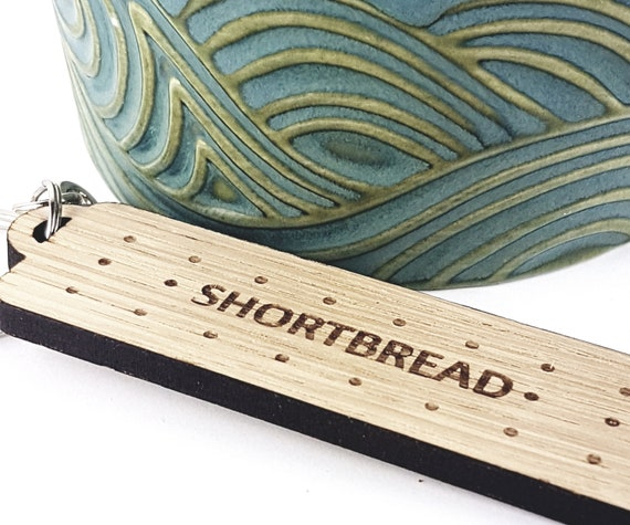 Shortbread Key Chain Key ring for Biscuit lovers Oak, Cherrywood, add a name or message to the reverse British classic wooden biscuit
