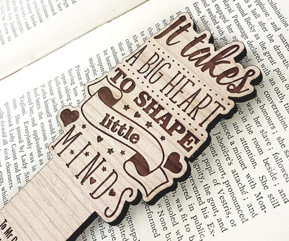 Teachers Gift Bookmark - Personalised with the name of your choice, It takes a big heart to shape little minds, wooden bookmark, oak, cherry