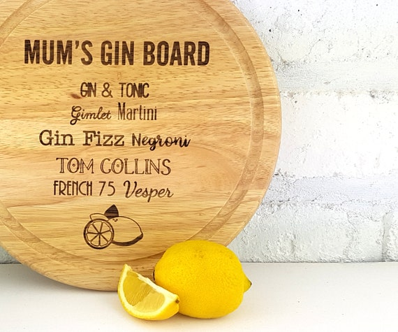 Personalised Gin Cocktail chopping board for lemons, customised with the name of your choice.  Cutting board gift for Gin lovers