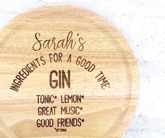 Personalised Gin themed cutting board for lemons, customised with the name of your choice.  Fun chopping board gift for Gin lovers