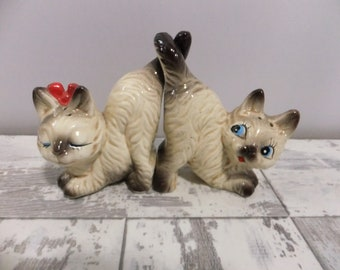 Vintage Kitty Cat Salt and Pepper Shakers Tails Joined Japan Cats Beige and Brown Red Bow Retro Kitsch