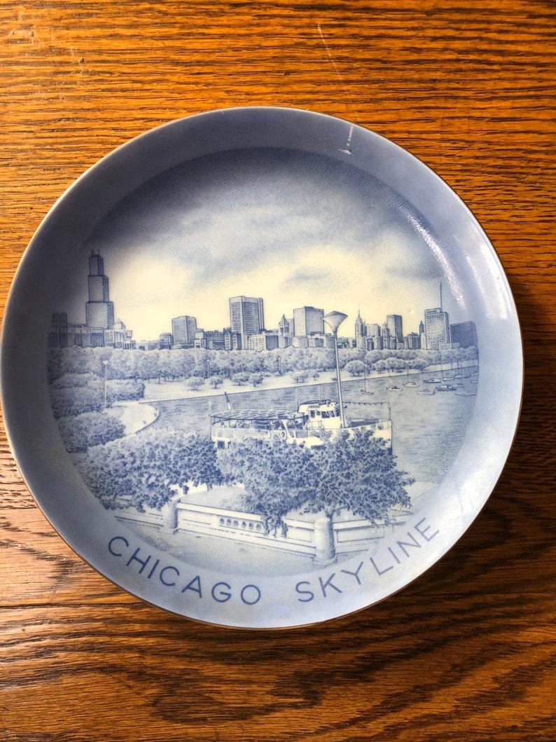 Vintage Chicago Skyline Souvenir Plate Illinois Blue Decorative Plate Retro Travel Wall Decor IL