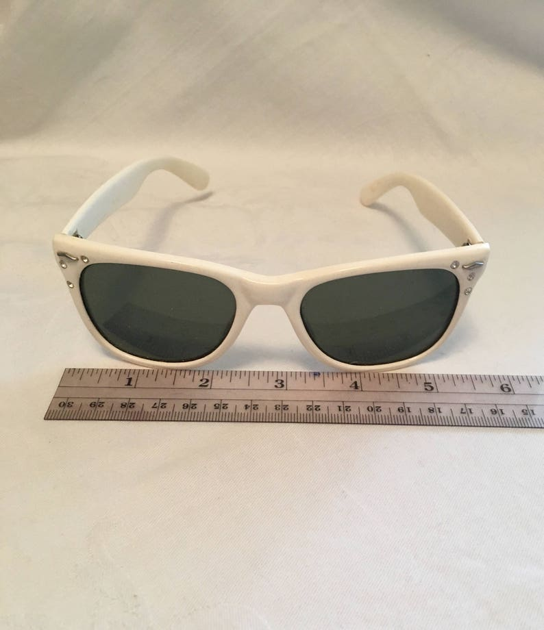 53e00c6963d White Foster Grant vintage sunglasses eighties shades