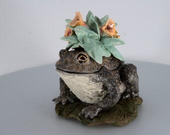 A Big and Beautiful Toad, Handmade Ceramic Sculpture Box.