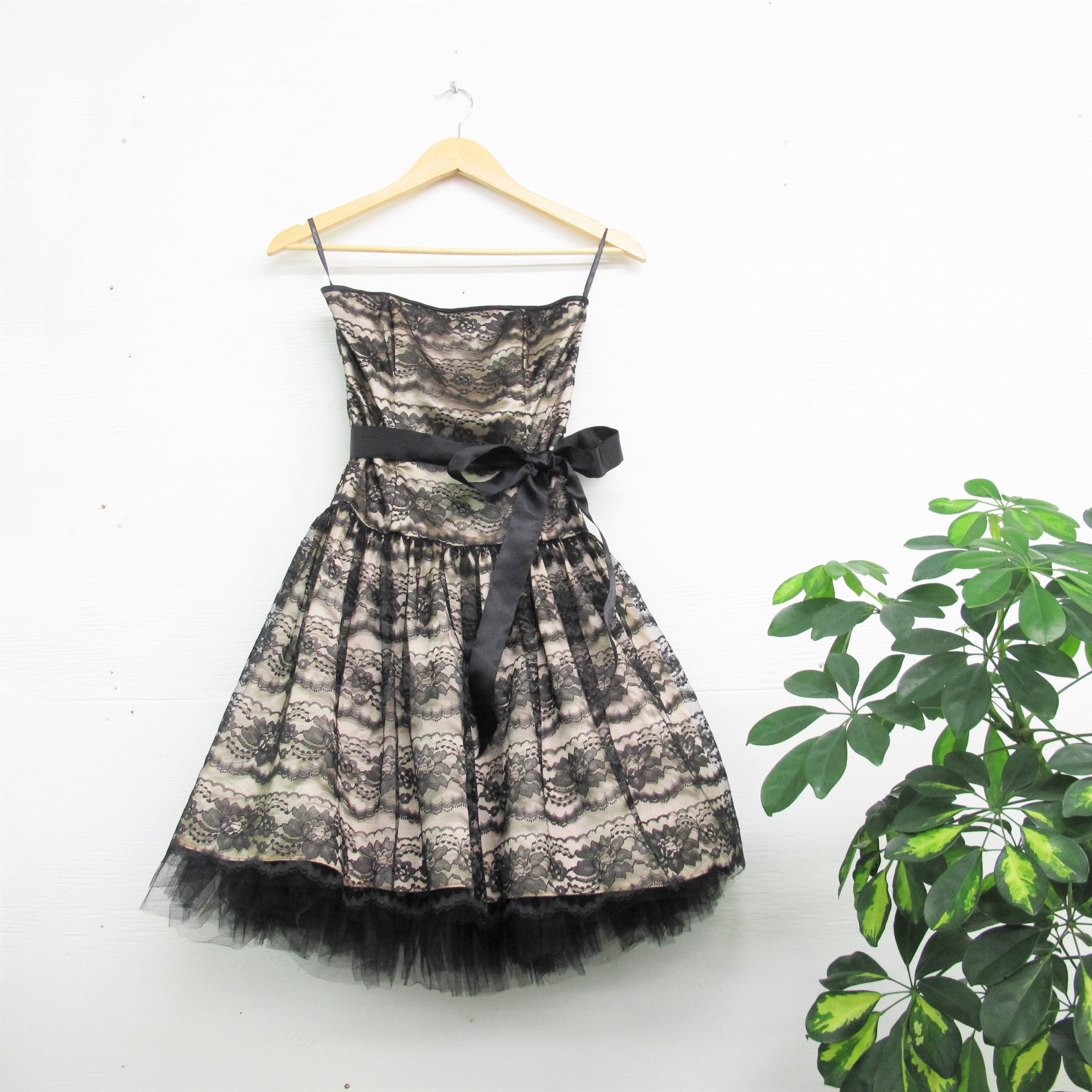 f6e6e050b4da Vintage Tulle Floral Lace Party Dress 90s does 50s Jessica   Etsy