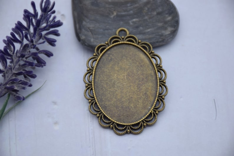 10pcs metal oval pendant tray,bezel base setting,tray base setting,fit for 30x40mm cabochons,cameo