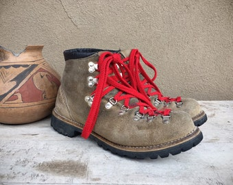 Vintage Wafflestompers Ankle Boots for Men Size 9 D Taupe Brown Leather Hiking Boots, 1970s Lace Up Boots