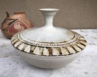 1986 Mike Walsh Pottery Wide Stoneware Vase Earthtones, Santa Fe New Mexico Ceramics Sculpture