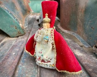 Plastic Infant of Prague Santo Nino Magnet Handmade Velvet Satin Cloth (Damage), Religious Saint