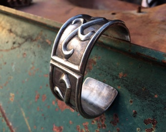 88g Vintage Men's Sterling Silver Cuff Bracelet with Whirling Log Symbol, Navajo Native American Indian Jewelry
