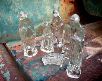 Small Vintage Six-Piece Clear Glass Nativity Set with Baby Jesus, Christmas Decoration Holiday Decor