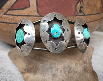 1970s Navajo Hyson Craig Sterling Silver Natural Turquoise Shadowbox Cuff Bracelet for Small Wrist