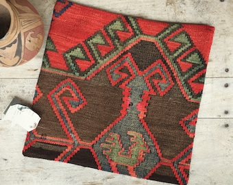 Vintage Turkish Kilim Pillow Cover, Southwestern Decor, Bohemian Decor Red Throw Pillow