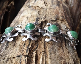 Modernist Sterling Silver and Jadeite Link Bracelet for Small Wrist Vintage Mexican Jewelry