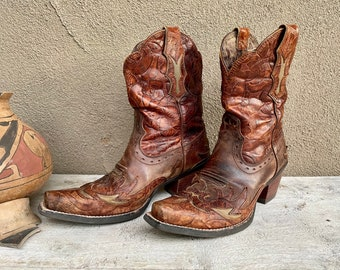 Cowboy Boots Women's Size 7.5B (Run Small) Brown Leather Cutout Cowgirl Boot Snip Toe, Fall Fashion