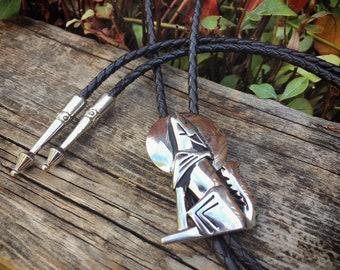 Vintage Silver Metal Howling Coyote Bolo Tie for Men or Women, Retro Western Tie, Wolf & Moon Bola