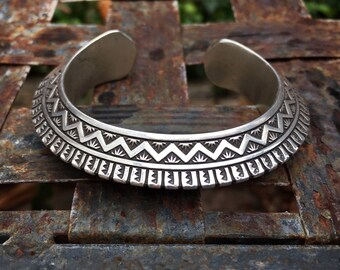 Heavy Gauge Carinated Sterling Silver Cuff Bracelet, Navajo Native American Indian Jewelry