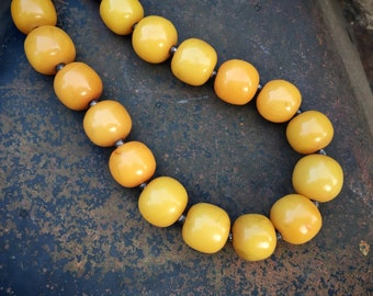 """Vintage 1980s Butterscotch Egg Yolk Bakelite Necklace 31"""", Faux Amber Jewelry, Gift for Girlfriend"""