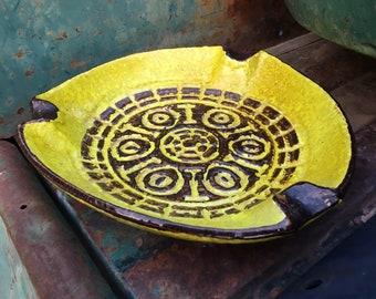 Vintage Italian Pottery Ashtray Volcanic Fat Lava Yellow Glaze Bitossi Raymor Eames Era Mid Century
