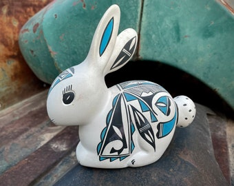 Acoma Pueblo Pottery Rabbit Figurine Mold Poured Painted by Kuutimaitsu, Native American Indian Art