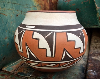 1989 Gladys Paquin (Sratyu'we) Laguna Pottery Jar Olla Polychrome Pot Vase, Native American Art