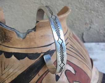33g Navajo Sterling Silver Cuff Bracelet for Men or Women, Native American Indian Jewelry