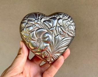 1994 Silver Plated Heart Trinket Box Lidded, International Silver Company, Victorian Style