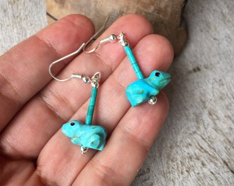 Carved Turquiose Frog Fetish Dangle Earrings, Native American Indian Jewelry Southwestern