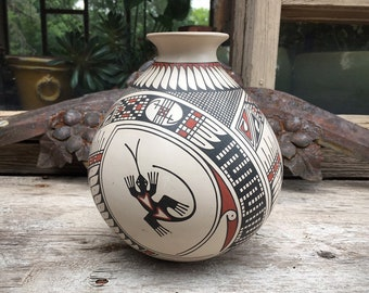 Mata Ortiz Pottery Vase with Lizard Design, Casas Grandes Polychrome Pot or Olla