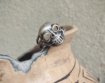 Size 4.5 Vintage 925 Sterling Silver Skeleton Ring for Women Skull Jewelry, Day of the Dead Pinky Ring