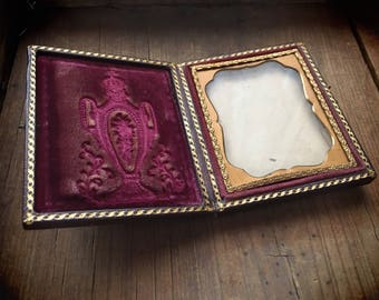 Antique Daguerreotype Case Empty with No Photo, Victorian Photo Case, Tin Type Photo Pocket Storage