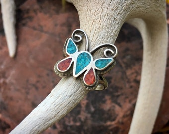 1970s Crushed Turquoise Coral Ring Butterfly Design Size 4, Vintage Native American Indian Jewelry