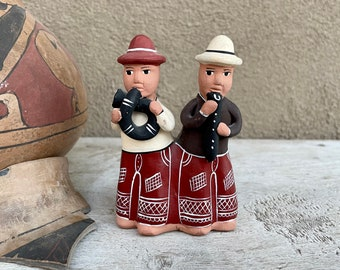 Peruvian Pottery Folk Art Whistle of Two Men, Southwestern Decor, Ayachucho Ceramics, Natural Decor