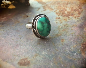 Simple Vintage Damelle Turquoise Ring for Women Size 8.25, Southwestern Jewelry Boho Chic