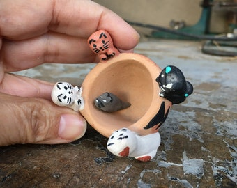 Small Jemez Pottery Cat and Mouse Storyteller Figurine, Vintage Native American Indian Arts and Crafts