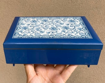 Vintage Otagiri Japan Blue Flower Lacquerware Music Box by MaryAnn Baker, Blue Danube Waltz
