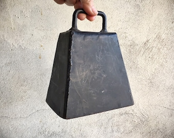 Vintage Large Cow Bell Barn Salvage Industrial Decor, Farmhouse Decor, Primitive Decor, Old Cowbell