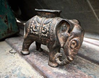 Collectible Antique Cast Iron Elephant with Howdah Coin Still Bank by A.C. Williams Circa 1910