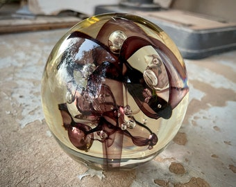 1985 Controlled Bubbles Art Glass Paperweight Orb by Robert W. Stephan, American Modern Art Vintage