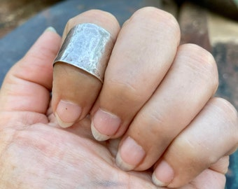 Modernist Hammered Sterling Silver Wide Band Ring Approx Size 7, Navajo Douglas Ettsity Jewelry