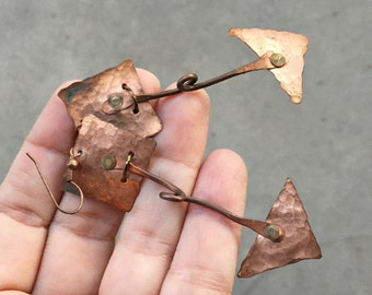 Hammered Copper Earrings in Raw Geometric Style, Steampunk Arrow Jewelry for Women, Girlfriend Gift for Her Wife Mother