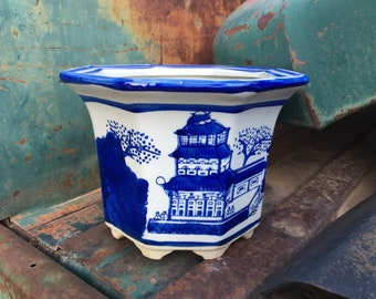 Small Chinese Porcelain Bowl Planter Blue and White Cachepot Charming Painting Style, Ceramic Jardiniere, Chinoiserie Decor Pagoda Scene