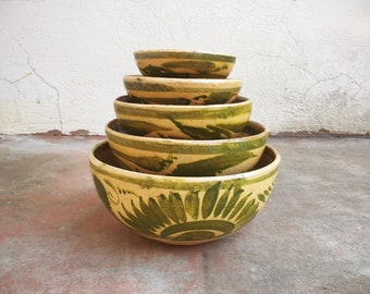 Set of Five Vintage Old Tlaquepaque Yellow Green Nesting Bowls, Mexico Floral Folk Art Pottery