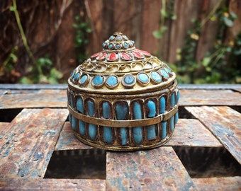 Early 20th Century Brass Filigree Tibetan Trinket Box with Turquoise and Coral, Snuff Stash Pill Box