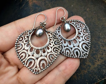 Vintage Indonesia Sterling Silver Earrings with Gray Baroque Pearl Dangle, Boho Hippie Jewelry
