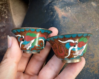 Pair of Miniature Chinese Cloisonne Bowls Red and Teal Blue with Dragon Design, Chinoiserie Decor